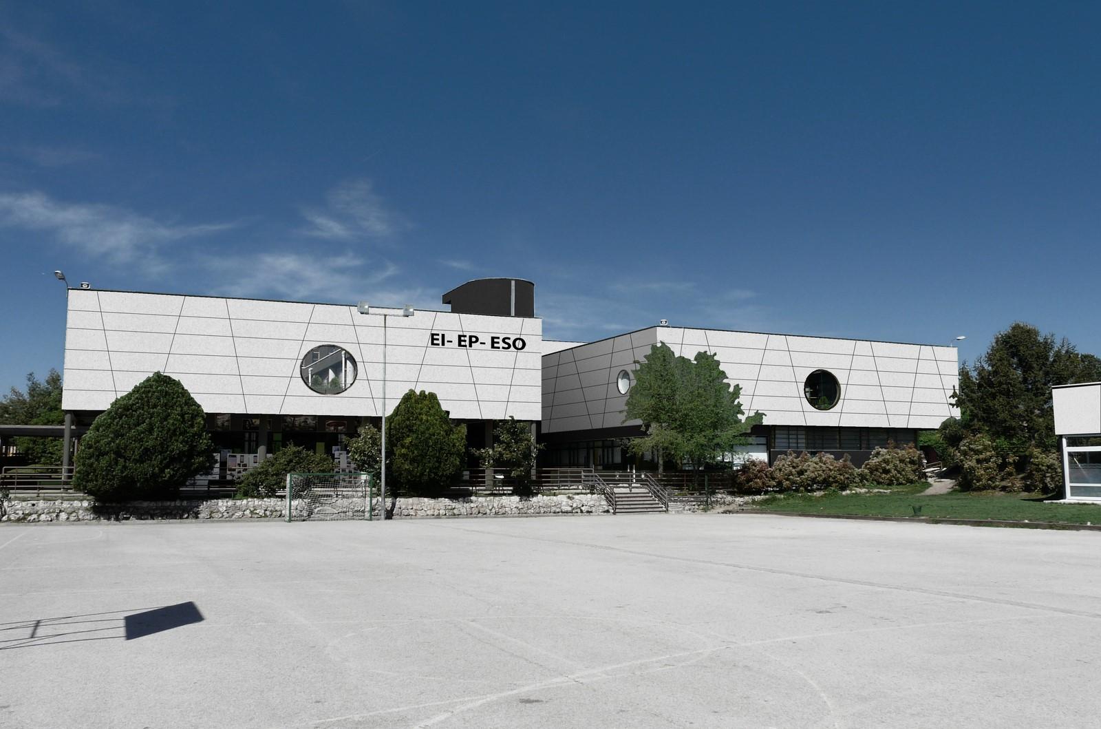 Estudio de modernización de fachadas colegio Seek